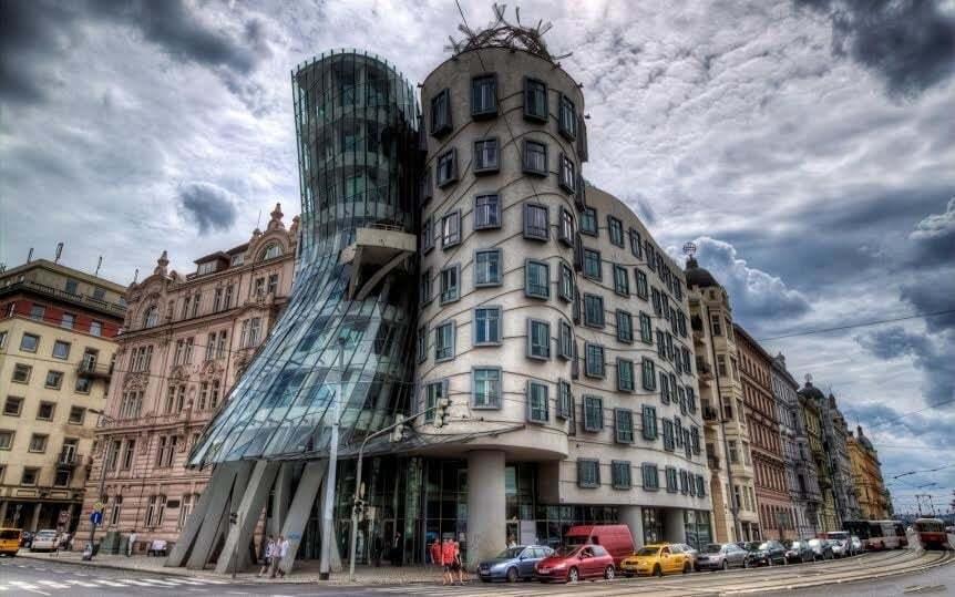 Архитектурные чудеса: топ-5 самых необычных зданий в мире
