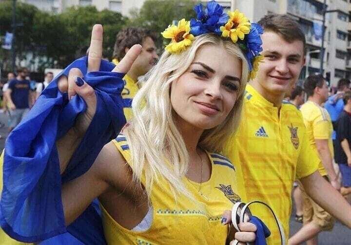 Євро-2016. Українська вболівальниця підкорила інтернет своєю приголомшливою красою