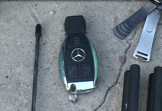 В Киеве обнаружили гараж с угнанными авто: воров задержали