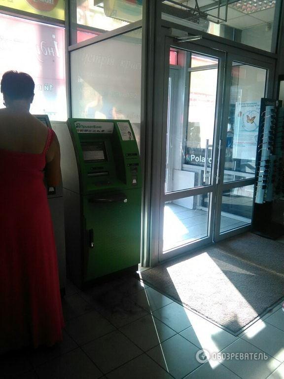 В Киеве воры обчистили банкоматы в двух торговых центрах на миллион