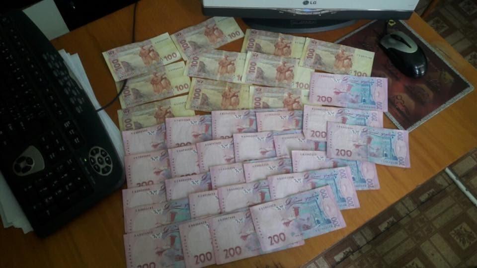 "На Донбассе полицейские ""погорели"" на взятке"