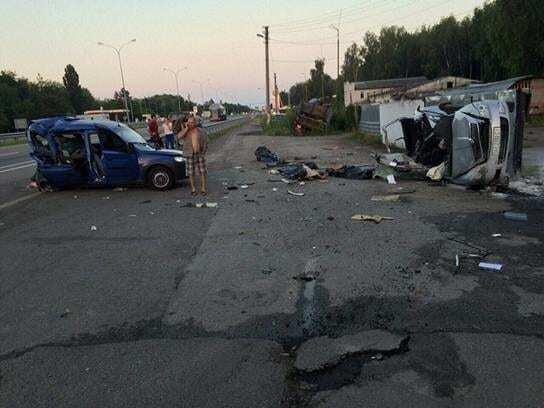 Масштабное ДТП на Киевщине: погибли три человека, травмирован полицейский
