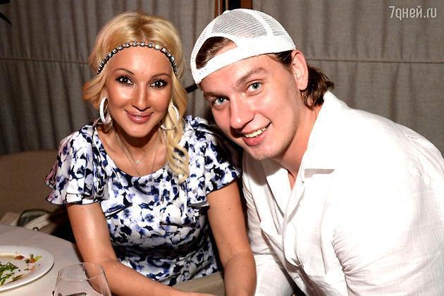 Молодой муж Леры Кудрявцевой посмеялся над возрастом 45-летней супруги