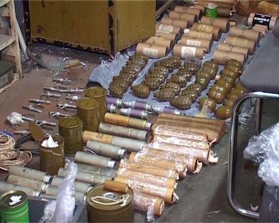 В Киеве обнаружили крупный арсенал оружия
