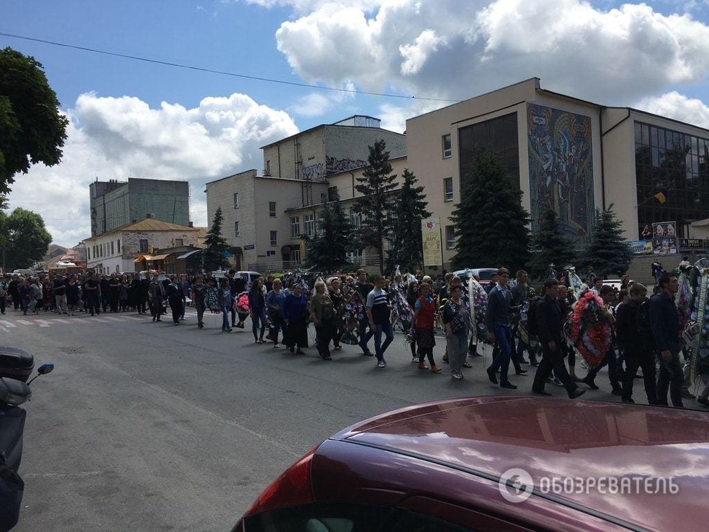В Василькове простились с девочками, которых сбил пьяный водитель