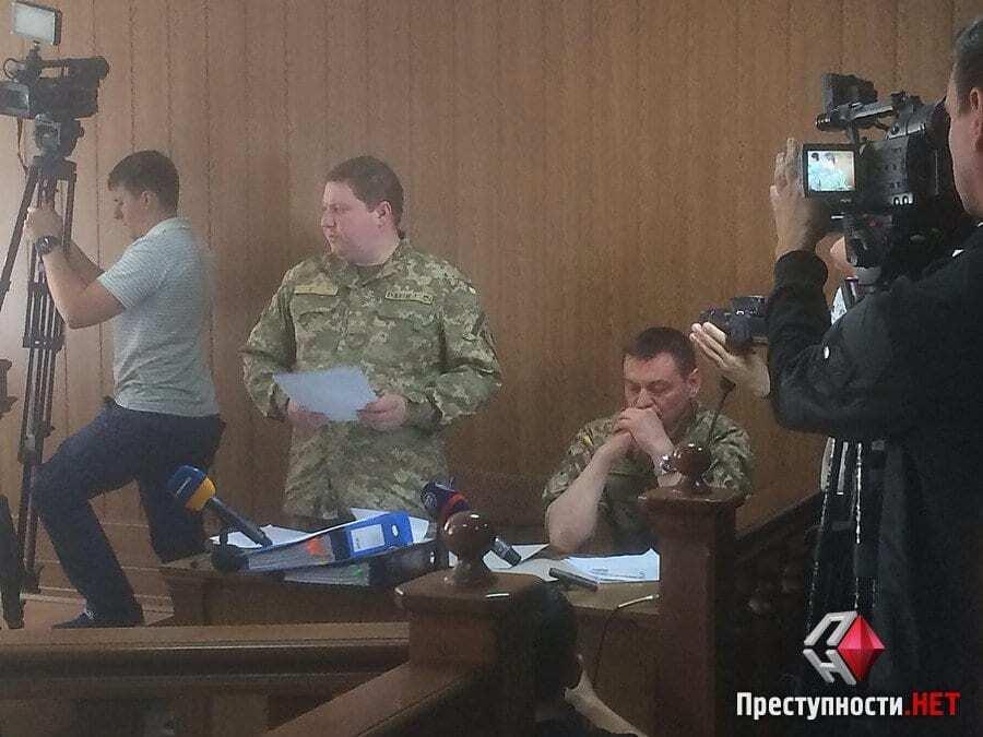 Дело Романчука: пойманный на взятке Герой Украины появился в суде