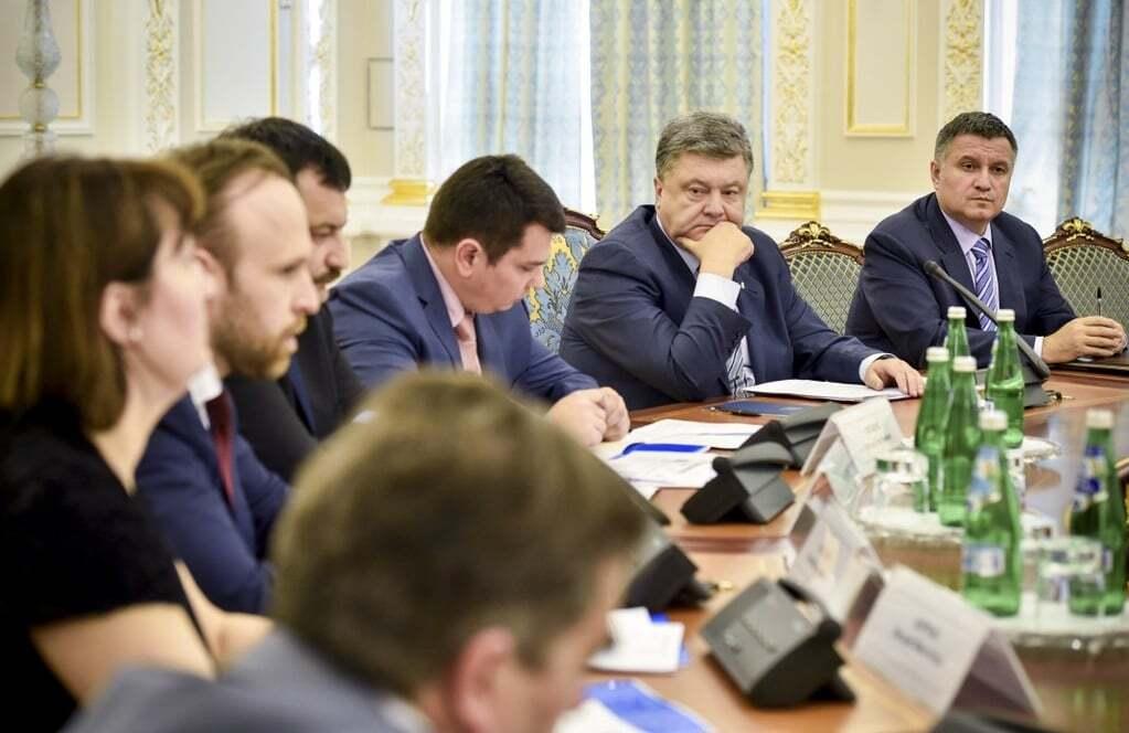 """Порошенко розповів, як """"випалити розпеченим залізом"""" корупцію в Україні"""