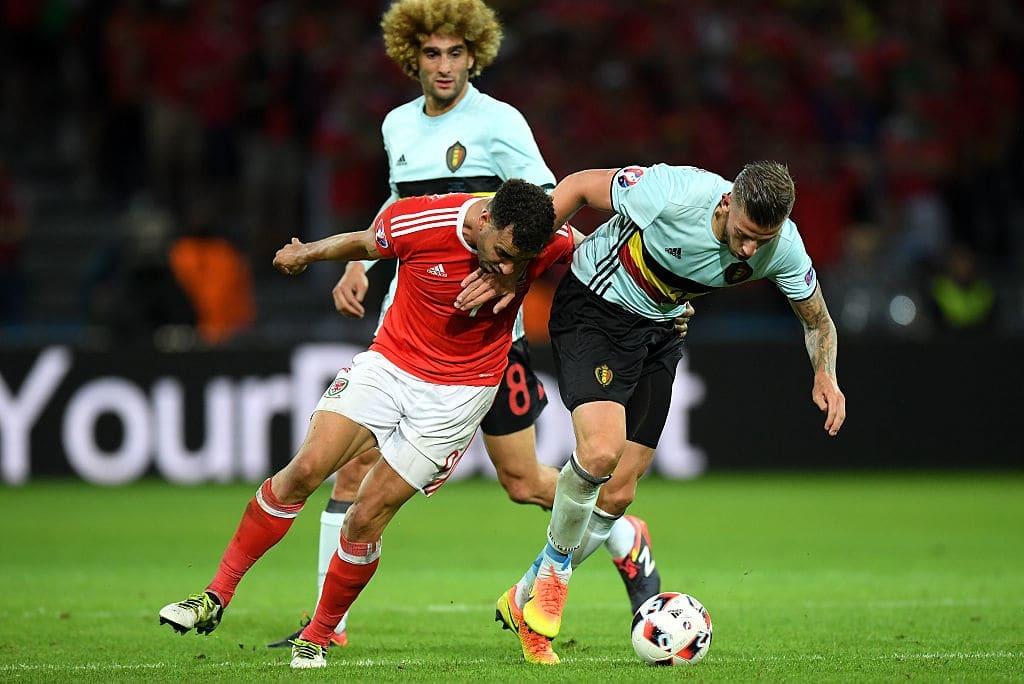 Сборные уэльса и бельгии играли в четвертьфинале евро, а мы вели онлайн-трансляцию матча.