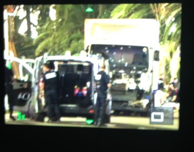 Теракт в Ницце: более 80 погибших. Все подробности, фото и видео