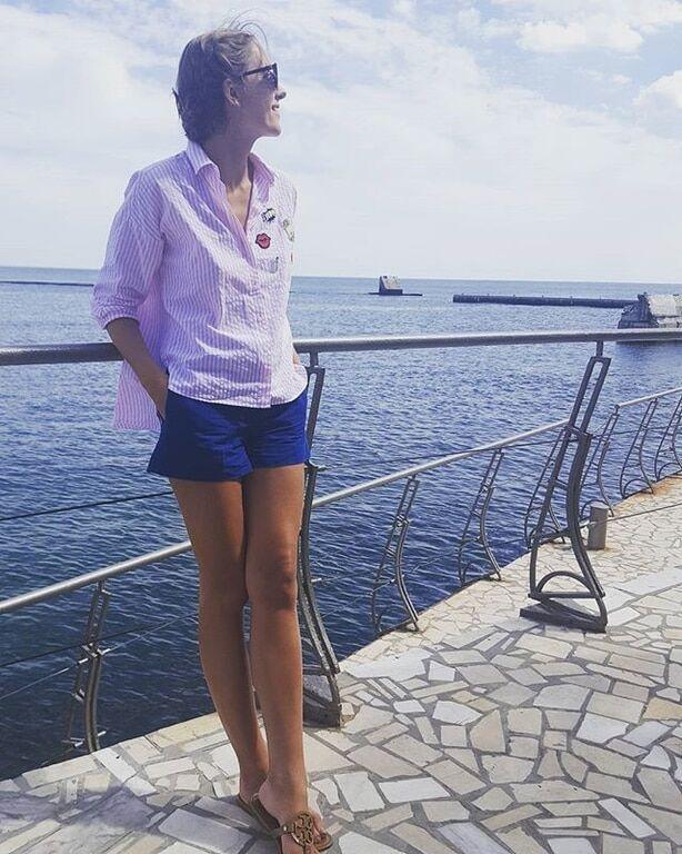 Катя Осадчая похвасталась фигурой в бикини в Одессе