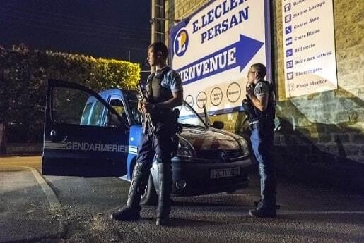 Заворушення в Парижі: за ніч зловмисники спалили 12 автомобілів