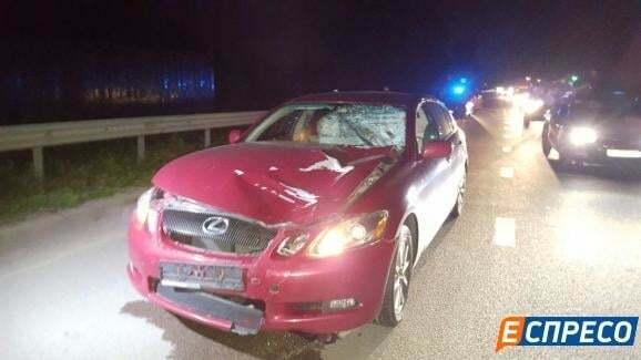 В Киеве Lexus сбил насмерть мужчину