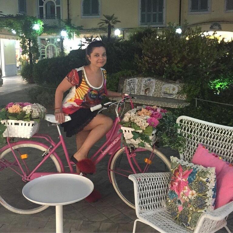 Наташа Королева поправилась на отдыхе в Италии: фотофакт