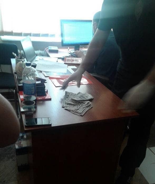 """Не """"откупился"""": в Киеве задержали бизнесмена, который предлагал взятку следователю"""