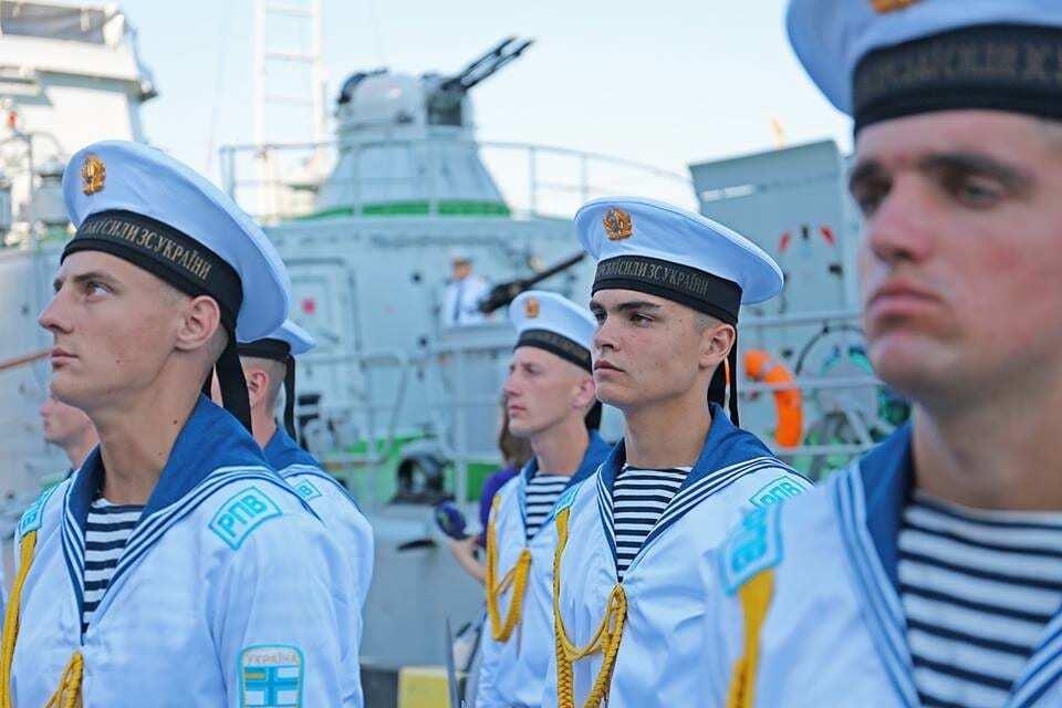 набираться будем как выглядит морская форма россии севастополь фото там