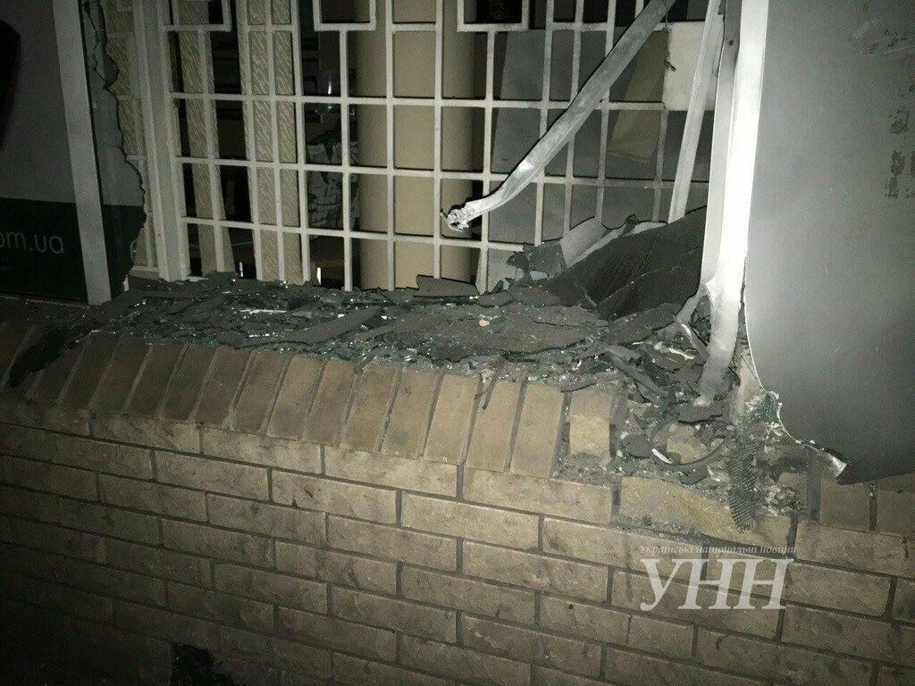 В Запорожье ночью в банке произошел взрыв: полиция сообщила подробности