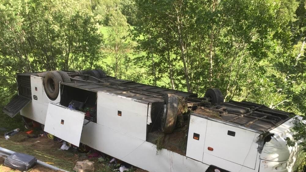 Появились фото и детали аварии автобуса с украинцами в Норвегии