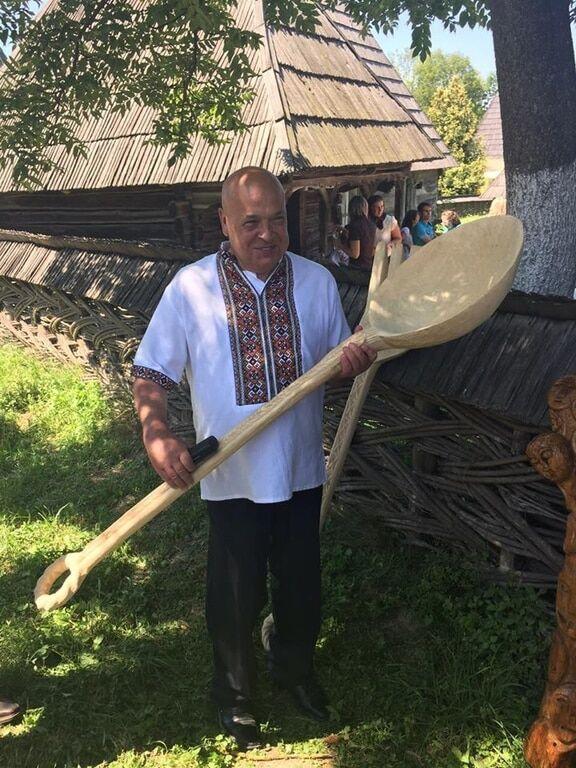 """""""Иду за скотинякой!"""" Москаль вооружился гигантской вилкой и предупредил Ляшко"""