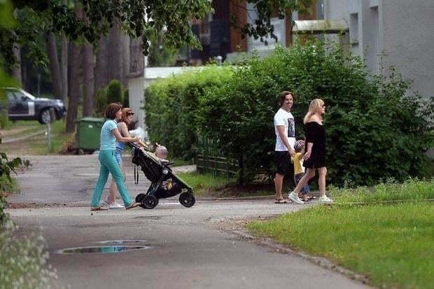 Алла Пугачева и Максим Галкин с детьми отдыхают в Юрмале