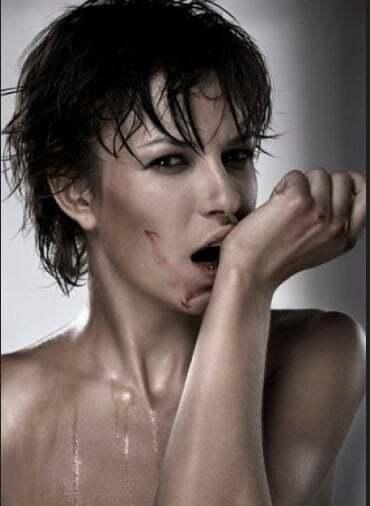 """""""Очкарики"""": нардеп розбурхав мережу новиною про відносини з привабливою діджейкою"""