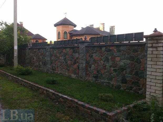 ЗМІ з'ясували, що Федорко живе в елітному особняку 19-річної дочки-мільйонерки