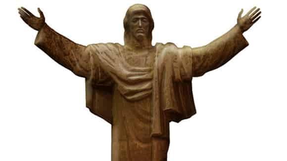 Россияне в сети ополчились на 80-метровую статую Христа для Петербурга