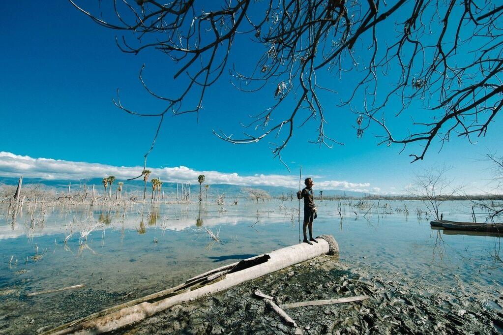 Неймовірні фотопроекти Домінікани: жінка-птах, шаман вуду і любов китів