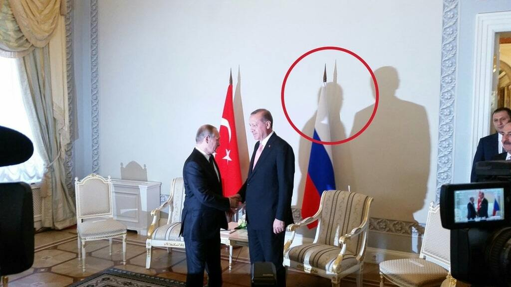 """Сущность не скроешь: Путин на встрече с Эрдоганом отбросил """"дьявольскую"""" тень"""