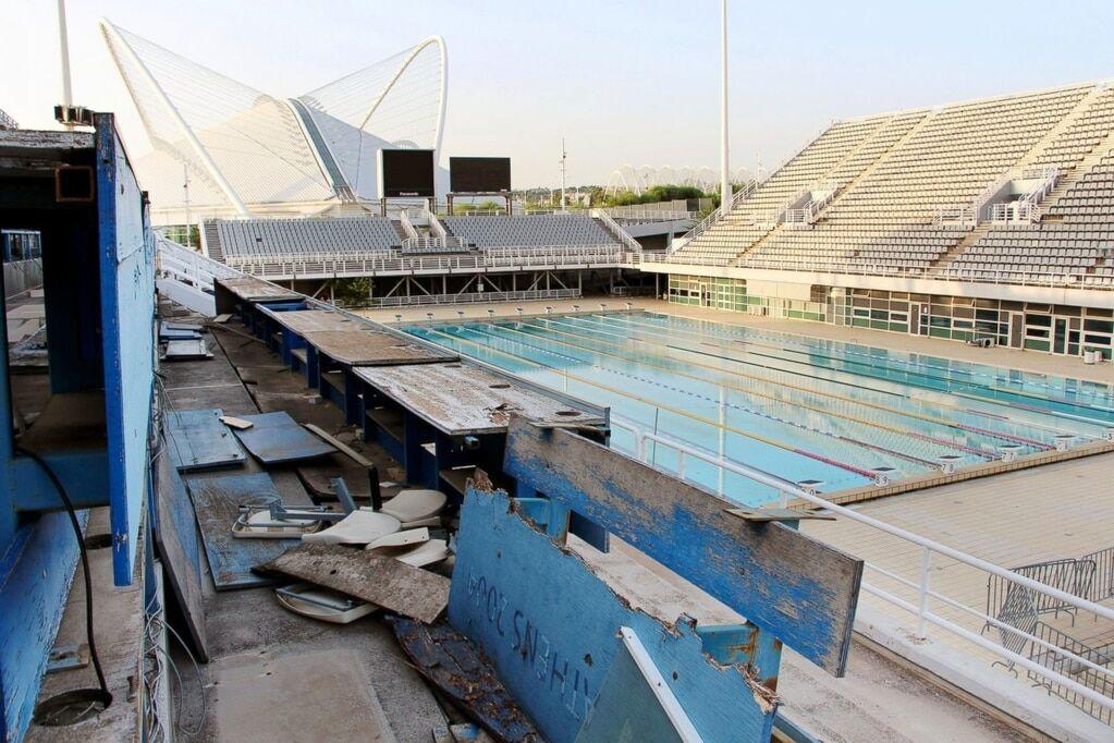 После бала: во что превращаются трибуны стадионов Олимпиад