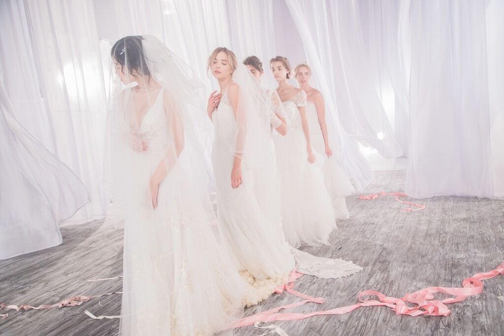 Мария Яремчук заинтриговала снимками в свадебном платье