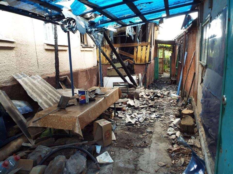 Террористы обстреляли жилые дома на Луганщине: ранен боец АТО
