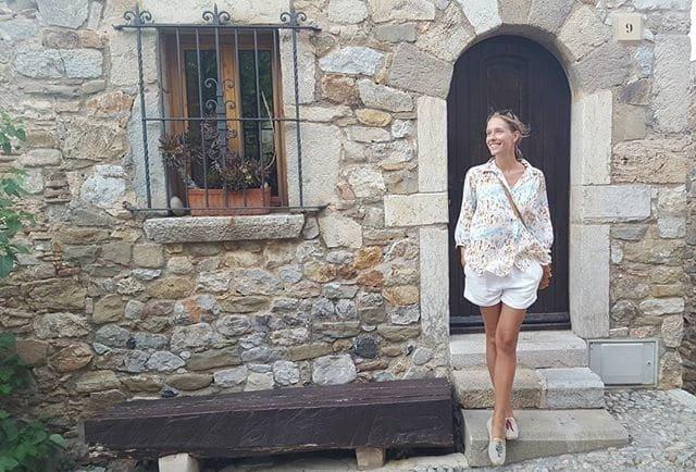 Катя Осадча похвалилася фігурою в бікіні на відпочинку в Іспанії