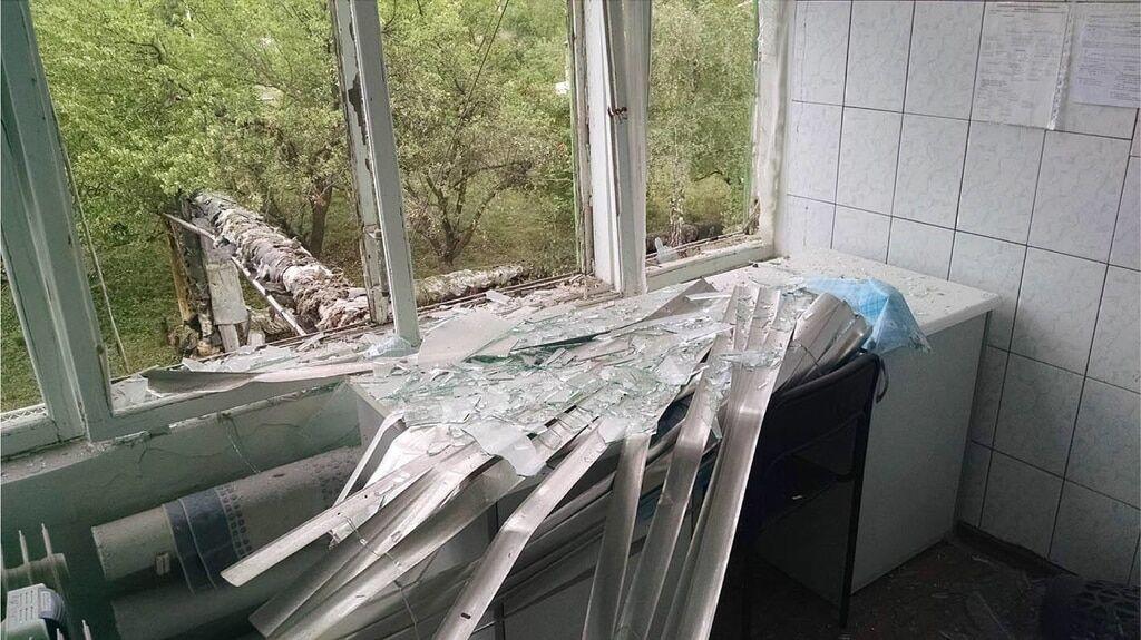 Террористы обстреляли Углегорскую ТЭС: фото разрушений