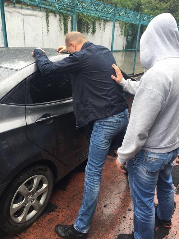 В Киеве чиновника АТО поймали на взятке в 230 тысяч