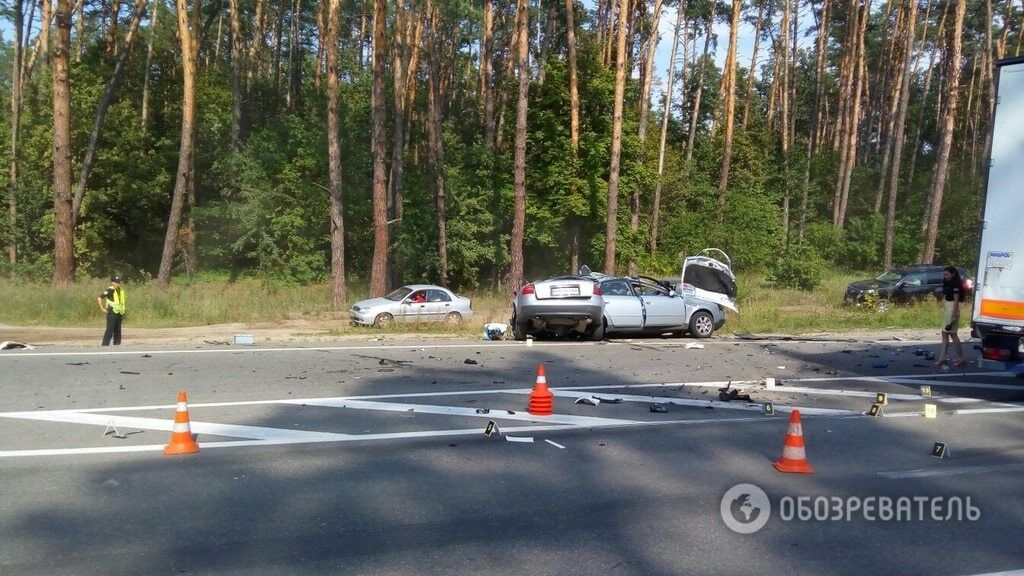 Появились фото ужасной аварии на Гостомельской трассе под Киевом
