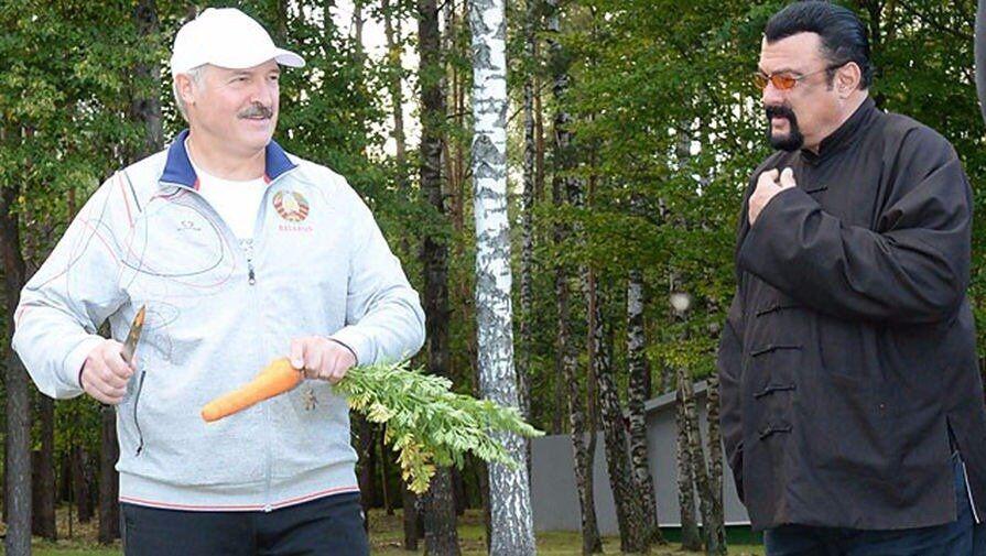 """""""Наш земляк"""": Сигал испытал на себе морковь Лукашенко"""