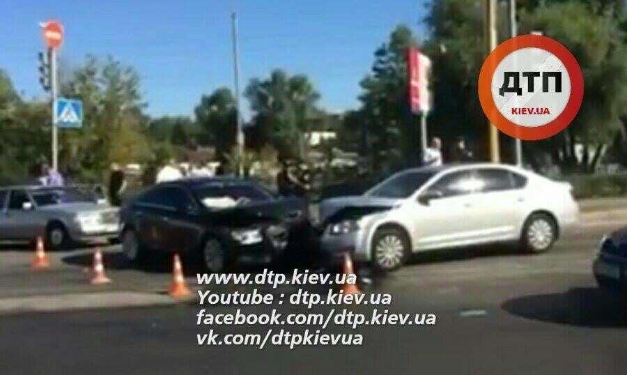 В Киеве не разминулись Opel и Skoda
