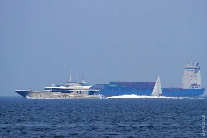 СМИ нашли шикарную яхту Березовского в Одессе