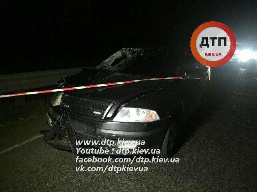ДТП в Киеве: на Одесской трассе автомобиль насмерть сбил пешехода