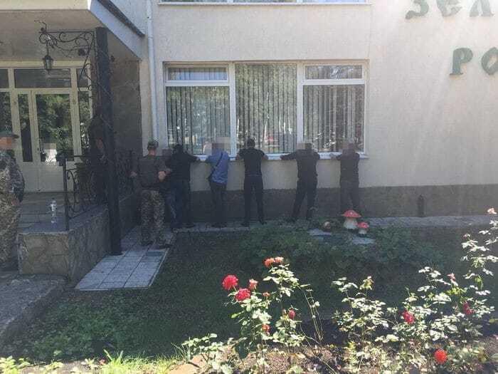 Хороший улов: на похоронах вора в законе СБУ задержала 106 криминальных авторитетов