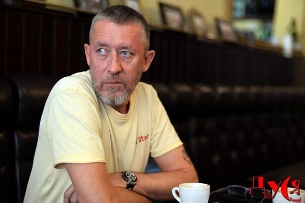 Пуля в голову: в Киеве обнаружен мертвым известный журналист