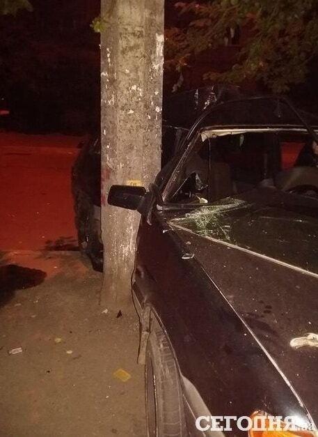 Протаранили забор и столб: в Киеве произошло два пьяных ДТП
