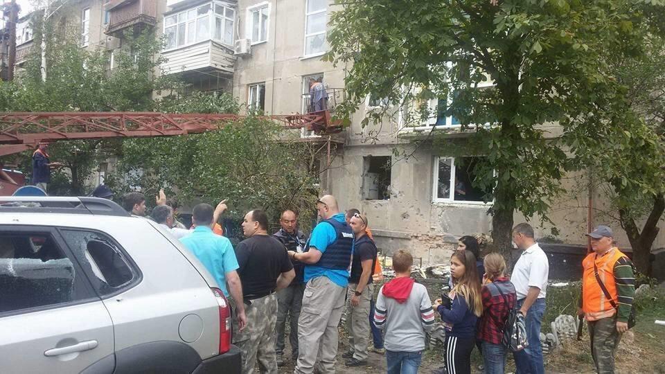 В сети показали последствия мощного обстрела домов мирных жителей на Луганщине