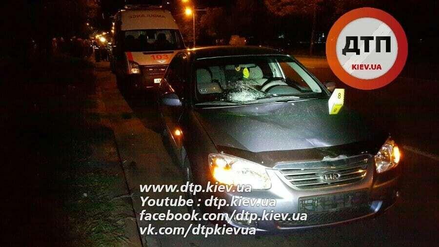 В Киеве автомобиль насмерть сбил школьника