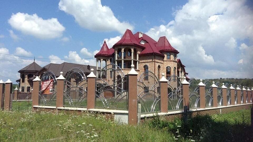"""""""Відняло дар мови"""": мережу вразила архітектура села на Закарпатті"""