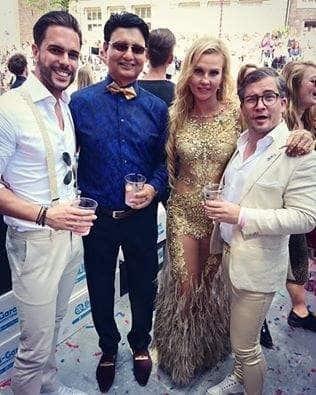 Камалия с флагом Украины и в откровенном платье развлеклась на гей-прайде в Амстердаме
