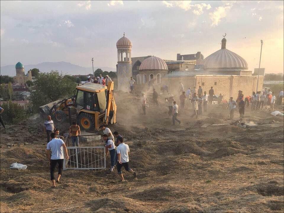 """""""Карімов Шредінгера"""": узбецькі ЗМІ розповіли про підготовку до похоронів """"живого"""" президента"""