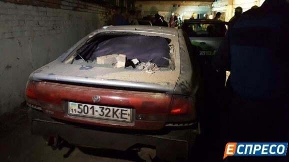 У Києві на Подолі вибухнув гараж: є постраждалі