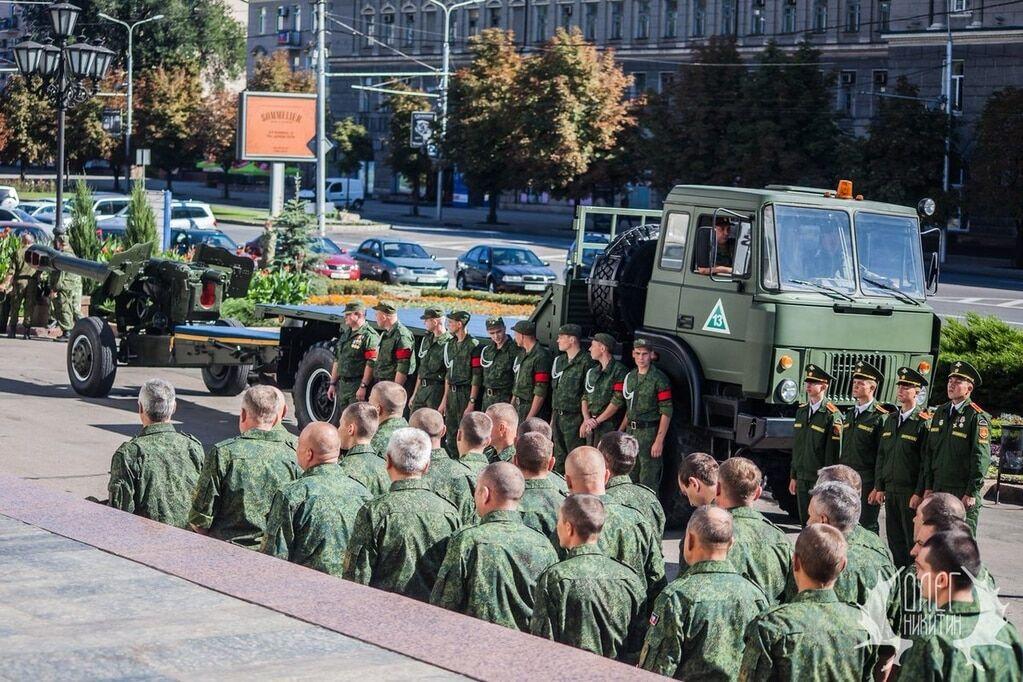 У Донецьку урочисто поховали ватажка терористів