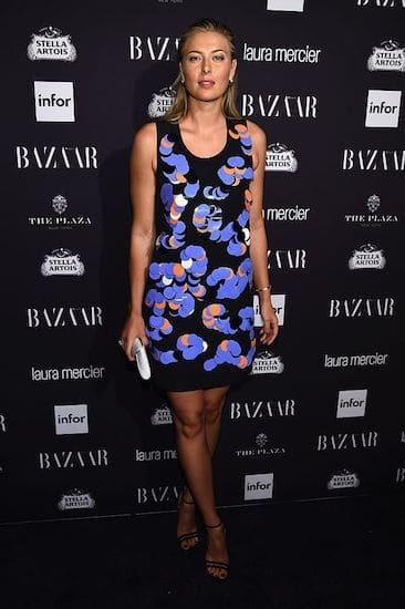 Шарапова в новом платье покрасовалась на вечеринке в Нью-Йорке